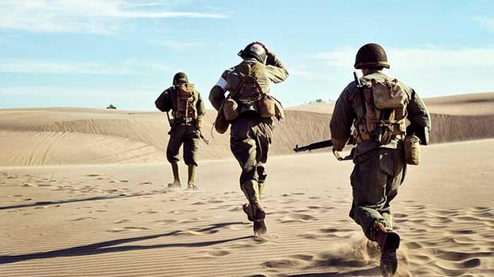 سربازان ارتش آمریکا در حال پیاده روی